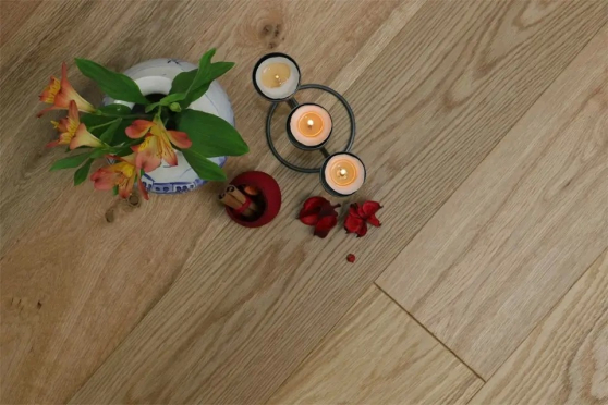 Natural Engineered Oak Click Brushed UV Oiled 14/3mm By 150mm By 400-1500mm FL1297 1