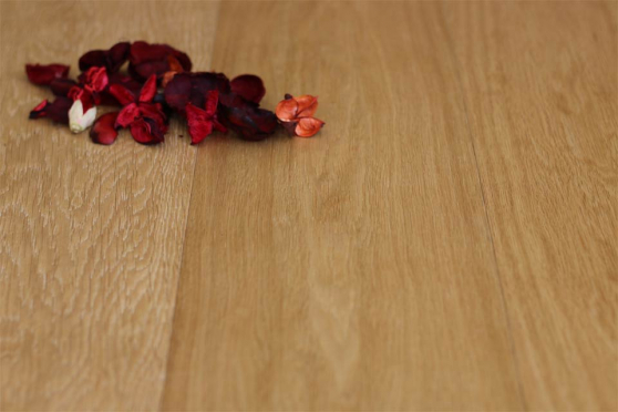 Prime Engineered Flooring Oak Click Brushed UV Oiled 14/3mm By 146mm By 1805mm FL3521 2