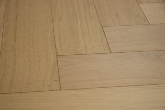 Natural Engineered Flooring Oak Herringbone Non Visible Brushed UV Lacquered 15/4mm By 90mm By 600mm FL3631 1