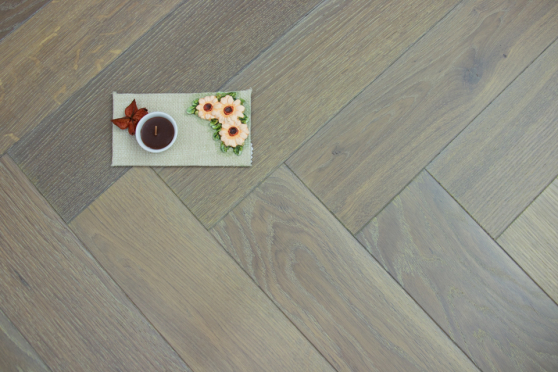Natural Engineered Flooring Oak Bespoke  Herringbone Silver Tiger Hardwax Oiled 16/4mm By 120mm By 580mm HB030 5