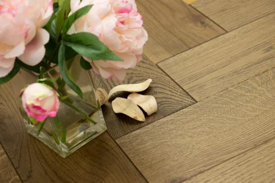 Natural Engineered Flooring Oak Herringbone Cognac UV Oiled 13/4mm By 140mm By 580mm HB069 5