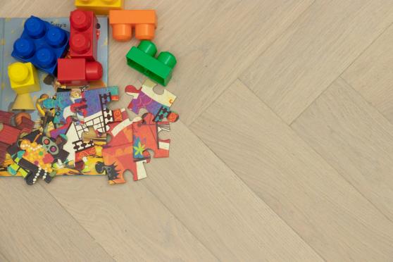 Prime Engineered Flooring Oak Herringbone Vienna Brushed UV Matt Lacquered 14/3mm By 98mm By 790mm FL3010 1