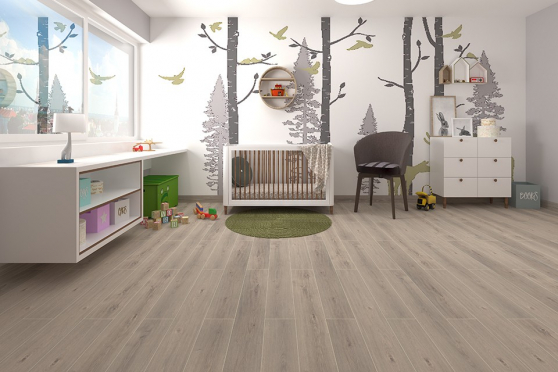 White Pearl Oak Laminate Flooring 8mm By 195mm By 1380mm LM018 1