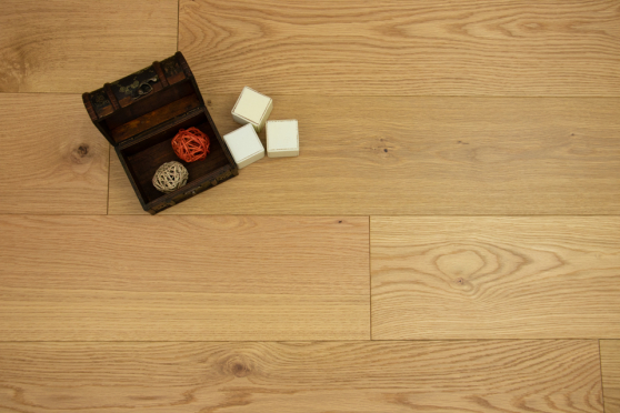 Natural Engineered Flooring Oak Brushed UV Matt Lacquered 14/4mm By 250mm By 1570-2400mm GP263 1