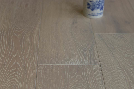 Natural Engineered Flooring Oak Brushed White UV Oiled Two 18/4mm 125mm 300-1500mm FL2329 1