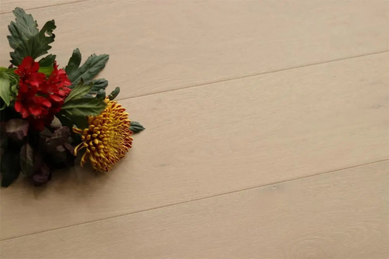 Natural Engineered Flooring Oak Click Milan White Brushed UV Oiled 14/3mm By 190mm By 1900mm FL3060 1