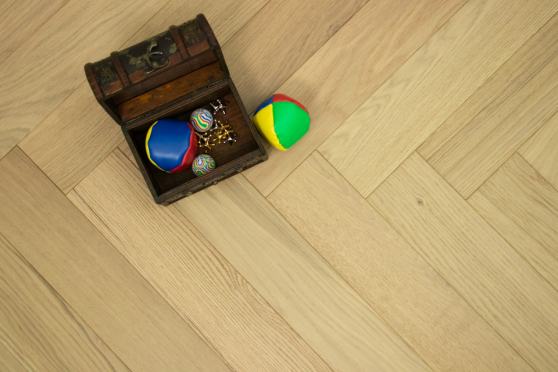 Natural Engineered Flooring Oak Herringbone Non Visible Brushed UV Lacquered 15/4mm By 125mm By 600mm
