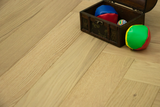 Natural Engineered Flooring Oak Herringbone Non Visible Brushed UV Lacquered 14/3mm By 90mm By 600mm