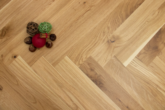 Natural Engineered Flooring Oak Herringbone UV Lacquered No Bevel 11/3.6mm By 70mm By 490mm HB039 1
