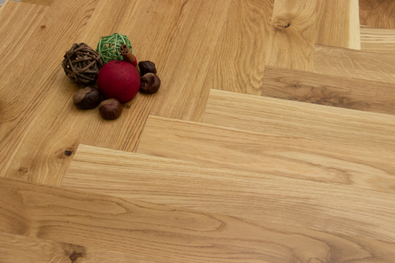 Natural Engineered Flooring Oak Herringbone UV Oiled No Bevel 11/3.6mm By 70mm By 490mm HB070 2