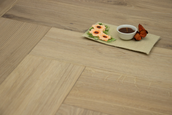 Natural Engineered Flooring Oak Herringbone White Sand Brushed UV Oiled 13/4mm By 140mm By 580mm HB068 11