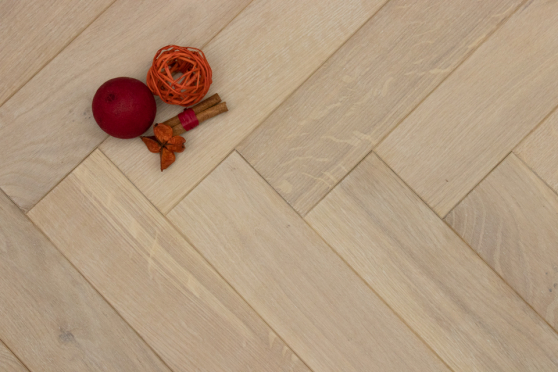 Natural Engineered Flooring Oak Herringbone White UV Oiled 14/3mm By 90mm By 450mm HB057 2