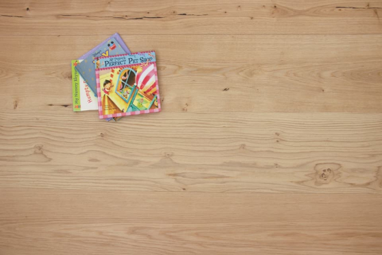 Natural Engineered Flooring Oak Non Visible UV Oiled 14/4mm By 250mm By 1570-2400mm GP268 1