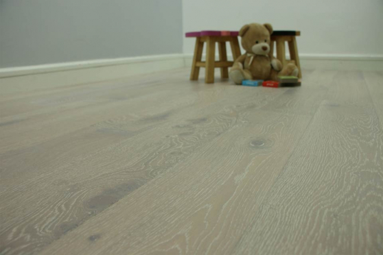 Natural Engineered Flooring Oak Sunny White Brushed UV Oiled 15/4mm By 190mm By 1900mm FL1180 1