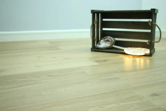 Natural Engineered Flooring Oak UV Lacquered 10/3mm By 150mm By 300-1500mm
