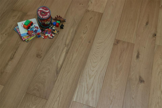 Natural Engineered Oak UV Oiled 20/5mm By 240mm By 2200mm FL1596 1