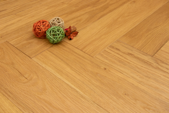 Natural Engineered Flooring Oak Herringbone Brushed UV Oiled 14/3mm By 120mm By 600mm FL3565 5