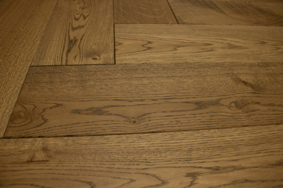 Natural Engineered Flooring Oak Herringbone Cognac Brushed UV Lacquered 15/4mm By 125mm By 600mm FL4105 1