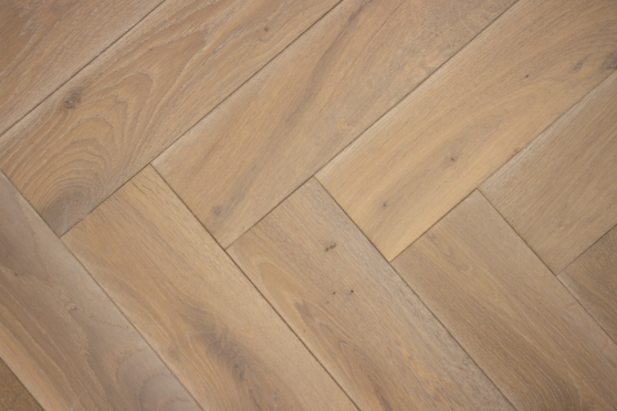 Natural Engineered Flooring Oak Bespoke  Herringbone Coral Deep Br Hardwax Oiled 16/4mm By 120mm By 580mm HB060 4