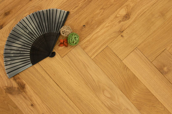 Natural Engineered Flooring Oak Herringbone UV Oiled 14/3mm By 90mm By 450mm HB061 5
