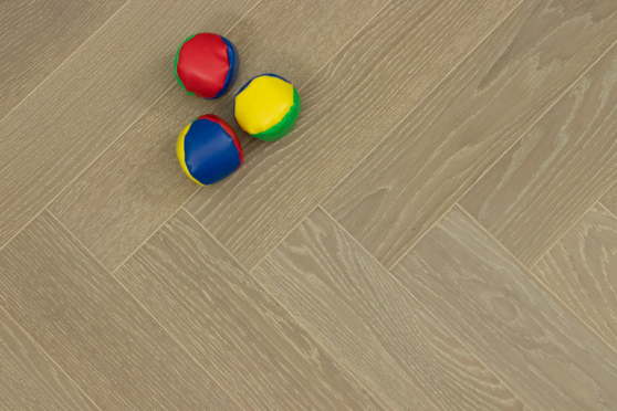 Prime Engineered Flooring Oak Herringbone Barcelona Brushed UV Matt Lacquered 14/3mm By 98mm By 588mm FL3105 4