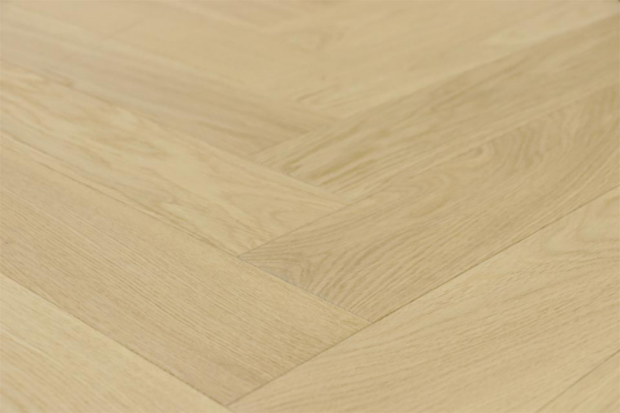 Prime Engineered Flooring Oak Herringbone Non Visible Br UV Matt Lacquered 14/3mm By 98mm By 790mm FL2923 1