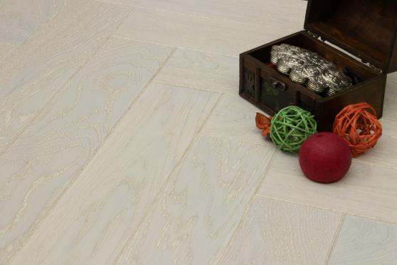 Prime Engineered Flooring Oak Herringbone Sealed No Beveled Brushed UV Lacquered 14/3mm By 98mm By 588mm FL3029 1