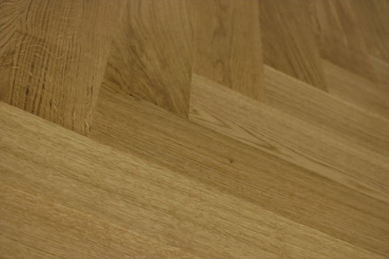 Prime Engineered Flooring Oak Herringbone No Bevelled UV Lacquered 14/3mm By 126mm By 1000mm FL3023 1