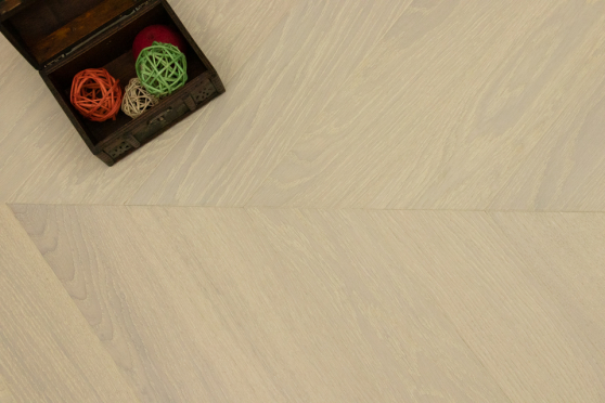 Prime Engineered Oak Chevron Double White Brushed UV Matt Lacquered 14/3mm By 98mm By 547mm FL3939 1