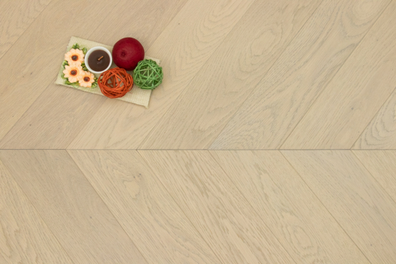 Prime Engineered Oak Chevron Vienna Brushed UV Matt Lacquered 14/3mm By 98mm By 547mm FL3941 1