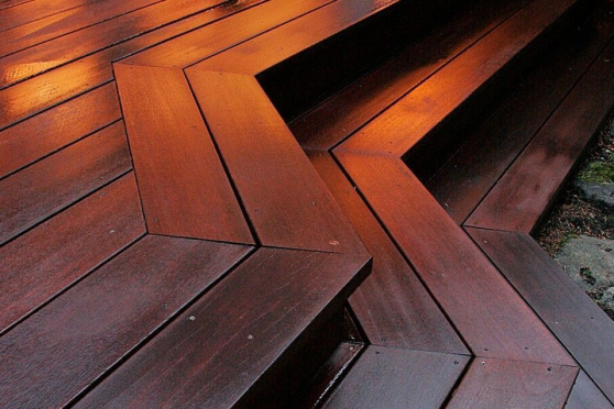 Red Balau Hardwood Decking Boards Using Hidden Fixing 21mm By 120mm By 3962-4572mm DK051-36-46 1