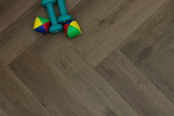 Luxury Click Vinyl Rigid Core Herringbone Flooring Cacao Brown 6mm By 126mm By 630mm( include 1mm underlay) VL044 2