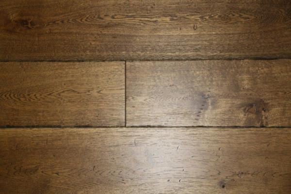 Reclaimed Brown Wood Flooring: An Unmistakably Classic Look