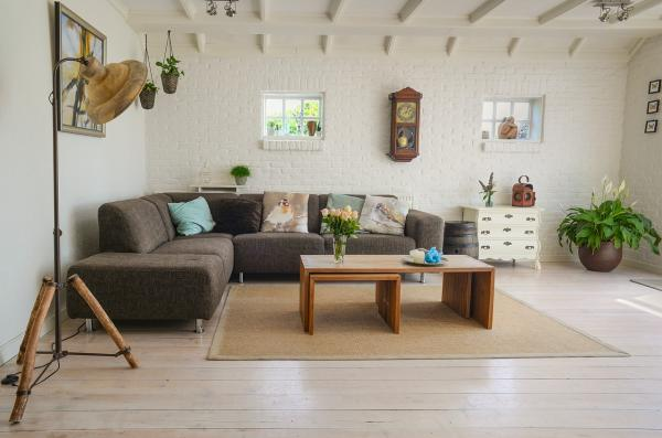 Prussian White Wood Flooring For Contemporary Look