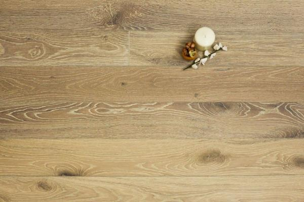 Getting A Prime Look With Rustic Wood Flooring