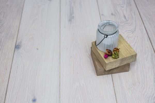 White Wash Engineered Flooring: Both Stylish And Inexpensive