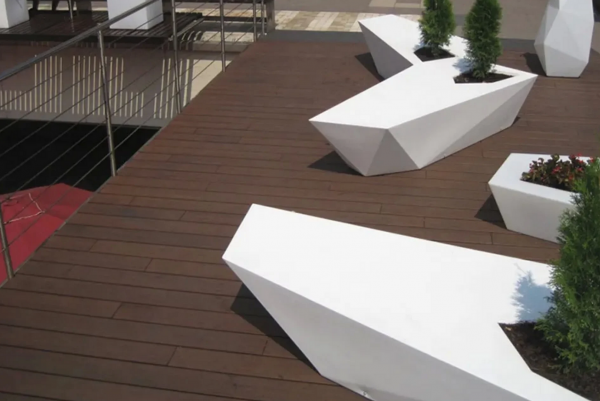 Synthetic or Hardwood Decking?