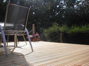 Winter Guide To Cleaning Hardwood Decking