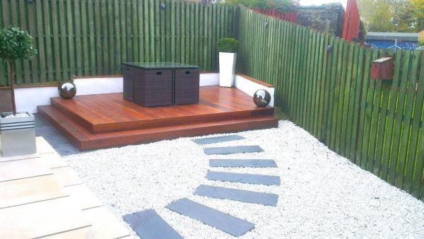 Exterior Decking Options - Choosing Hardwood, Softwood or Composite?