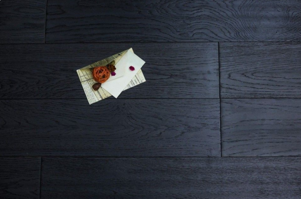 Real Oak Flooring - How Shade Can Complement Or Contrast Your Interior