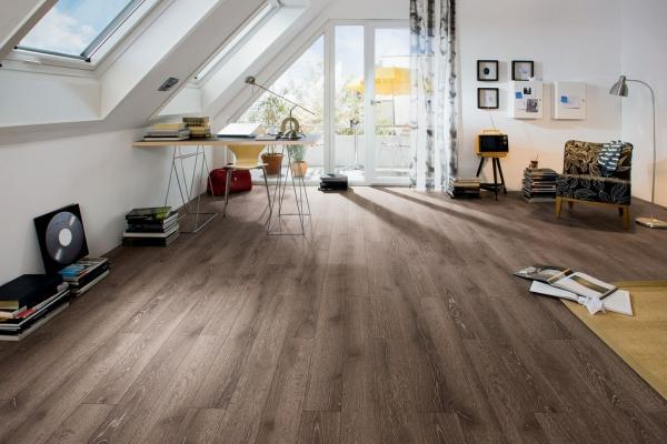 A Comparative Perspective Between Choosing Wood Floor For A Flat Vs A House