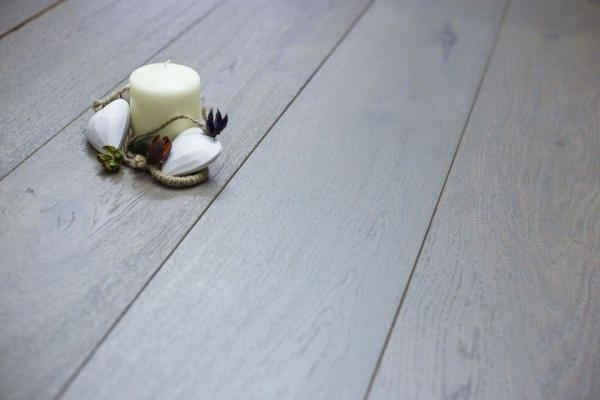 Grey Stained Oak Flooring: Must Have For Trendy Interiors